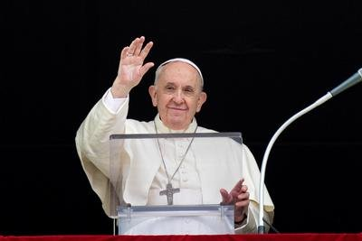 'Nest mentality' in Church leads to judgment, exclusion, pope says